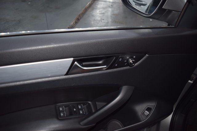 2012 Volkswagen Passat SE Richmond Hill, New York 10