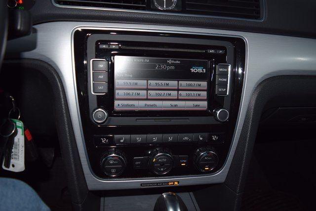 2012 Volkswagen Passat SE Richmond Hill, New York 12