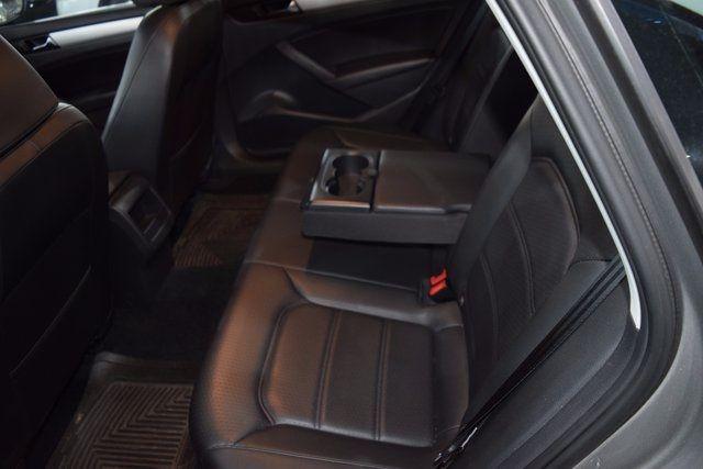 2012 Volkswagen Passat SE Richmond Hill, New York 6