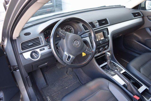 2012 Volkswagen Passat SE w/Sunroof & Nav PZEV Richmond Hill, New York 13