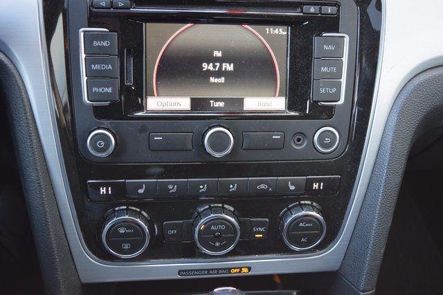 2012 Volkswagen Passat SE w/Sunroof & Nav PZEV Richmond Hill, New York 15