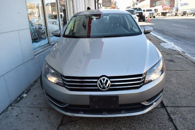 2012 Volkswagen Passat SE w/Sunroof & Nav PZEV Richmond Hill, New York 2