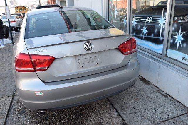 2012 Volkswagen Passat SE w/Sunroof & Nav PZEV Richmond Hill, New York 4