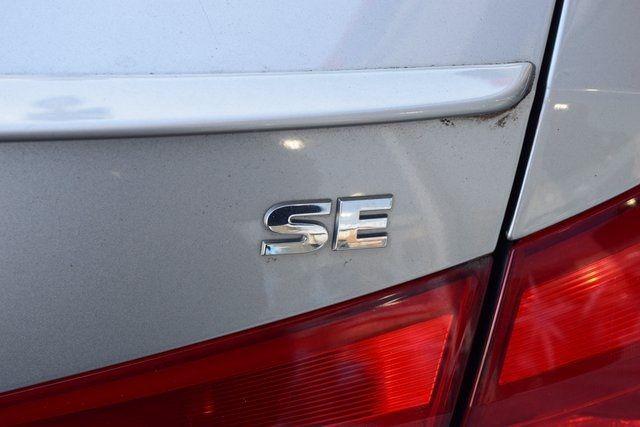 2012 Volkswagen Passat SE w/Sunroof & Nav PZEV Richmond Hill, New York 5