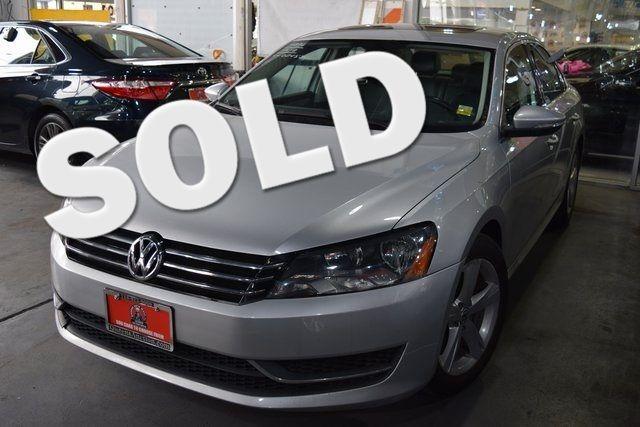 2012 Volkswagen Passat SE w/Sunroof Richmond Hill, New York 0