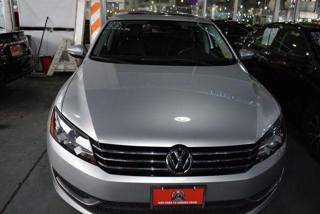 2012 Volkswagen Passat SE w/Sunroof Richmond Hill, New York 1