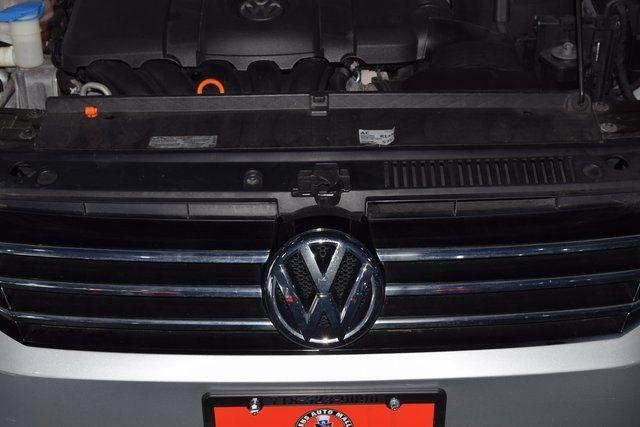 2012 Volkswagen Passat SE w/Sunroof Richmond Hill, New York 10