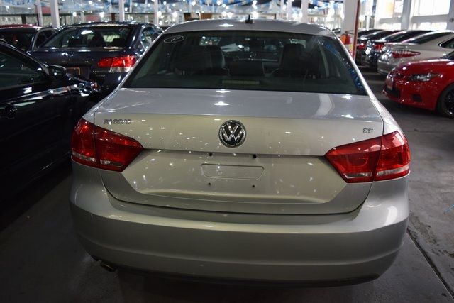 2012 Volkswagen Passat SE w/Sunroof Richmond Hill, New York 12