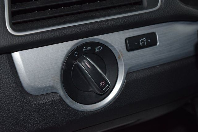 2012 Volkswagen Passat SE w/Sunroof Richmond Hill, New York 18