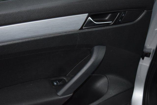 2012 Volkswagen Passat SE w/Sunroof Richmond Hill, New York 19