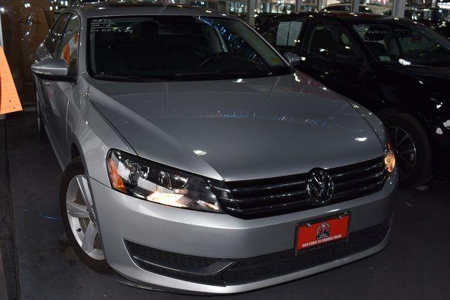2012 Volkswagen Passat SE w/Sunroof Richmond Hill, New York 2