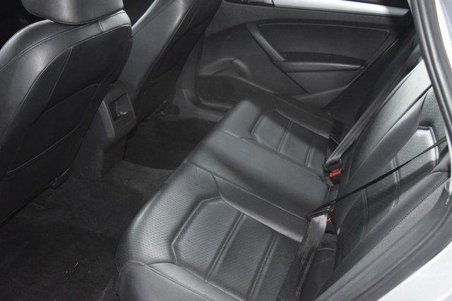 2012 Volkswagen Passat SE w/Sunroof Richmond Hill, New York 20