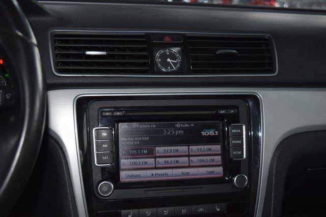 2012 Volkswagen Passat SE w/Sunroof Richmond Hill, New York 23