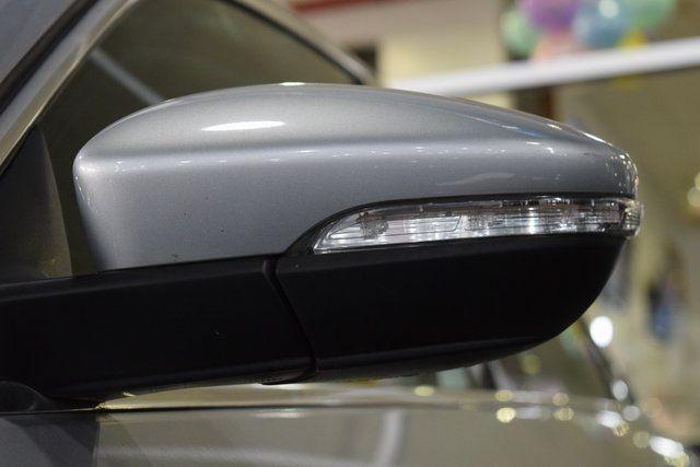 2012 Volkswagen Passat SE w/Sunroof Richmond Hill, New York 6