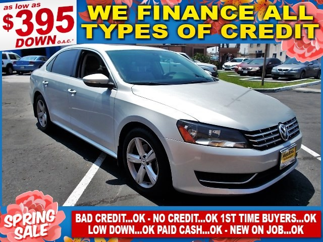 2012 Volkswagen Passat SE wSunroof Limited warranty included to assure your worry-free purchase