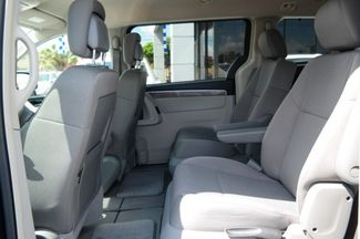 2012 Volkswagen Routan S Hialeah, Florida 25