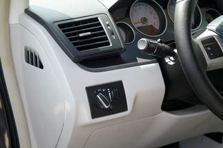 2012 Volkswagen Routan S Hialeah, Florida 8
