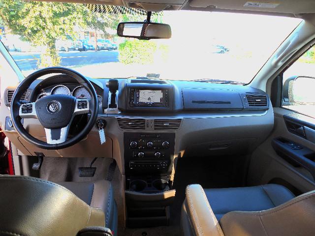 2012 Volkswagen Routan SE w/RSE Navigation Leesburg, Virginia 8