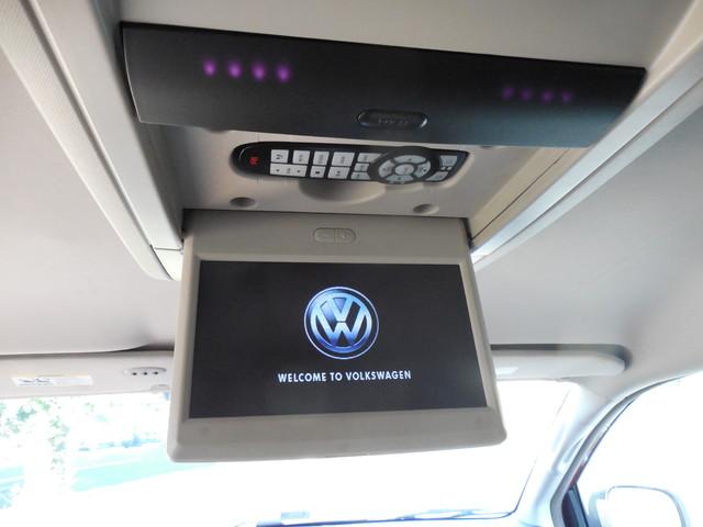 2012 Volkswagen Routan SE w/RSE Navigation Leesburg, Virginia 22