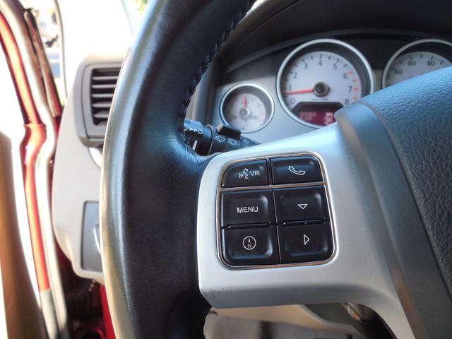 2012 Volkswagen Routan SE w/RSE Navigation Leesburg, Virginia 13