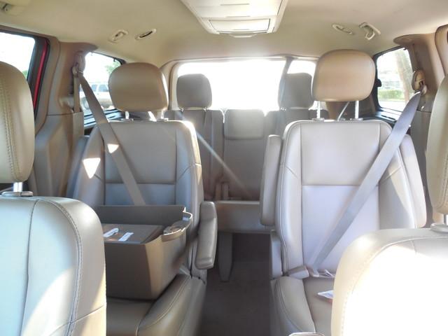 2012 Volkswagen Routan SE w/RSE Navigation Leesburg, Virginia 20