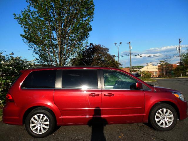 2012 Volkswagen Routan SE w/RSE Navigation Leesburg, Virginia 1