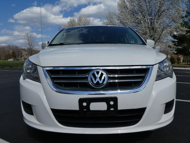 2012 Volkswagen Routan SE w/RSE Navigation Leesburg, Virginia 6