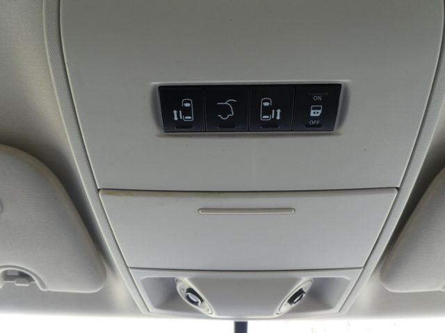 2012 Volkswagen Routan SE w/RSE Navigation Leesburg, Virginia 36
