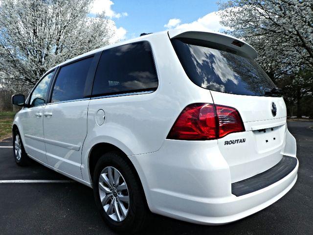 2012 Volkswagen Routan SE w/RSE Navigation Leesburg, Virginia 3