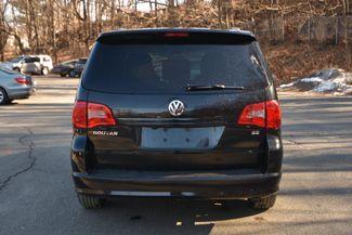 2012 Volkswagen Routan SE Naugatuck, Connecticut 3