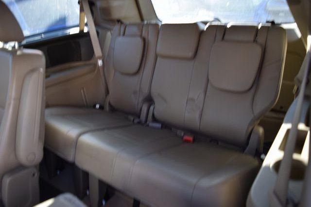 2012 Volkswagen Routan SE Richmond Hill, New York 10