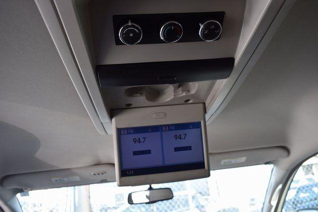 2012 Volkswagen Routan SE Richmond Hill, New York 14