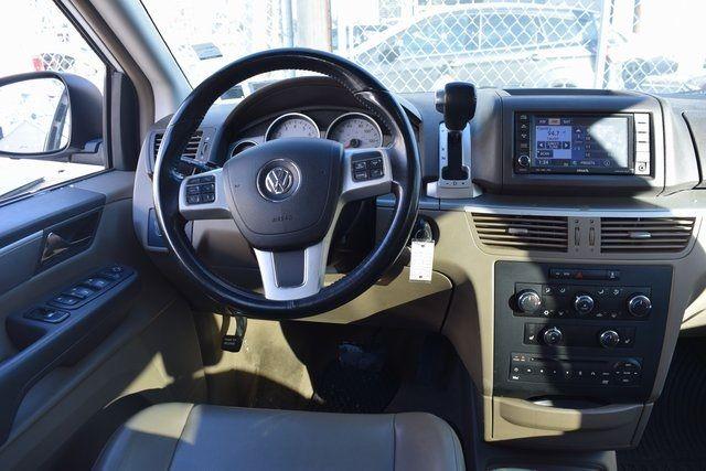 2012 Volkswagen Routan SE Richmond Hill, New York 15