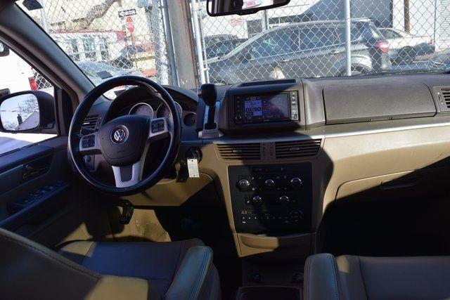 2012 Volkswagen Routan SE Richmond Hill, New York 17