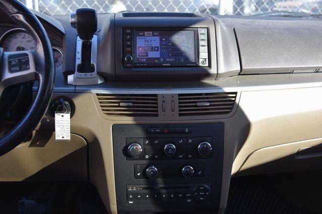 2012 Volkswagen Routan SE Richmond Hill, New York 18