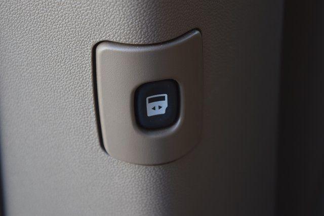 2012 Volkswagen Routan SE Richmond Hill, New York 19