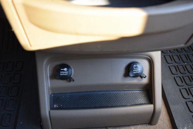 2012 Volkswagen Routan SE Richmond Hill, New York 28