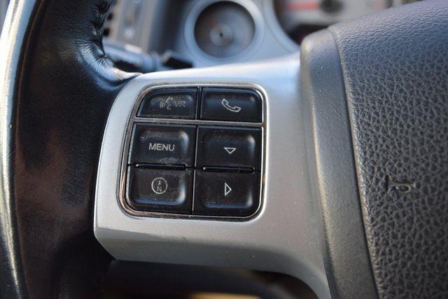 2012 Volkswagen Routan SE Richmond Hill, New York 31