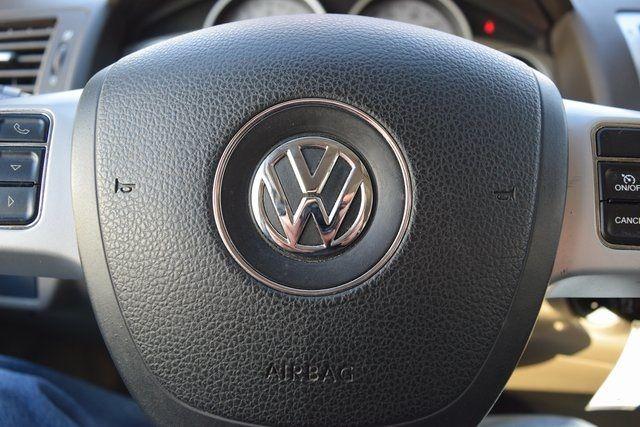 2012 Volkswagen Routan SE Richmond Hill, New York 33