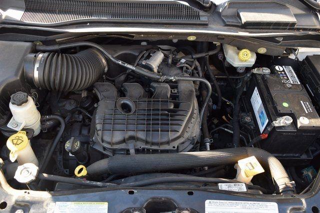 2012 Volkswagen Routan SE Richmond Hill, New York 6