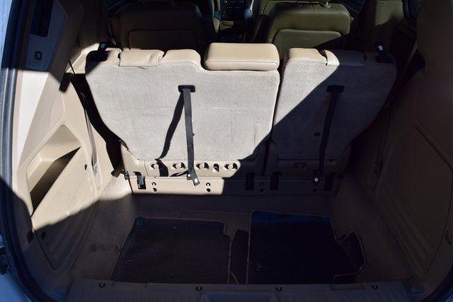 2012 Volkswagen Routan SE Richmond Hill, New York 7