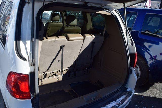 2012 Volkswagen Routan SE Richmond Hill, New York 9