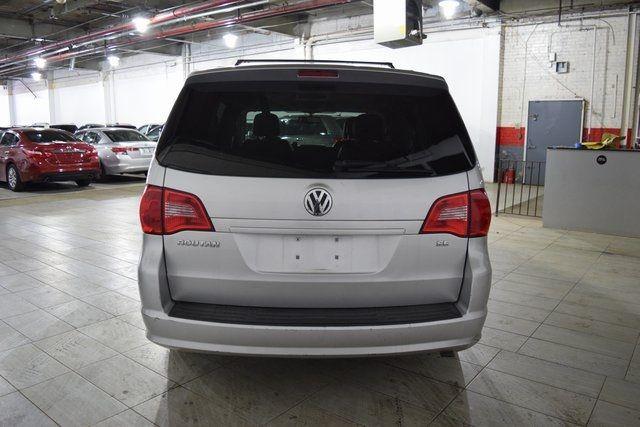 2012 Volkswagen Routan SE Richmond Hill, New York 2