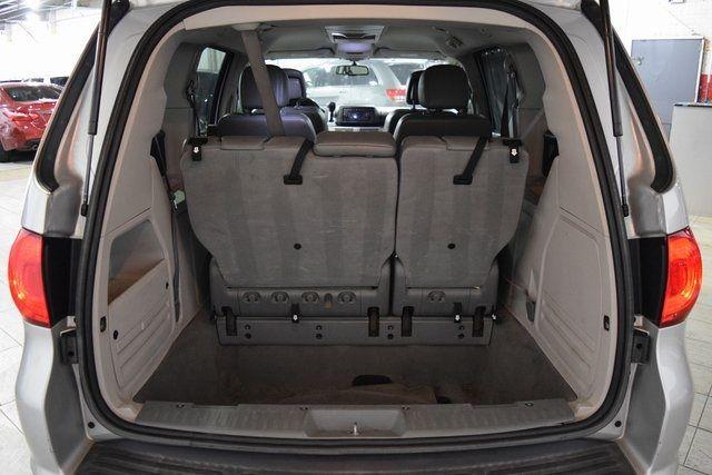2012 Volkswagen Routan SE Richmond Hill, New York 29