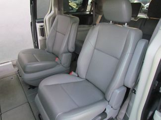 2012 Volkswagen Routan SE Sacramento, CA 10