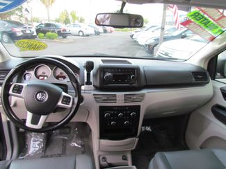 2012 Volkswagen Routan SE Sacramento, CA 12