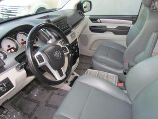 2012 Volkswagen Routan SE Sacramento, CA 9