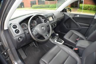 2012 Volkswagen Tiguan SE w/Sunroof & Nav Memphis, Tennessee 17