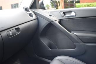 2012 Volkswagen Tiguan SE w/Sunroof & Nav Memphis, Tennessee 28