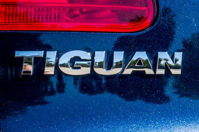 2012 Volkswagen Tiguan SEL w/Sunroof & Nav Reseda, CA 44